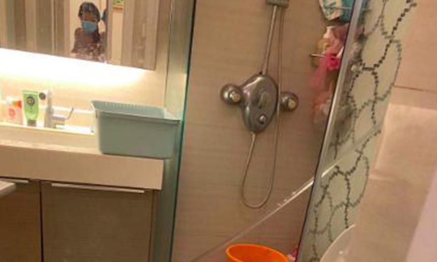 """精装又出事!淋浴房""""自爆"""",花季少女险毁容!血的事实告诉你,这就是为什么我卖不出便宜淋浴房的原因!"""